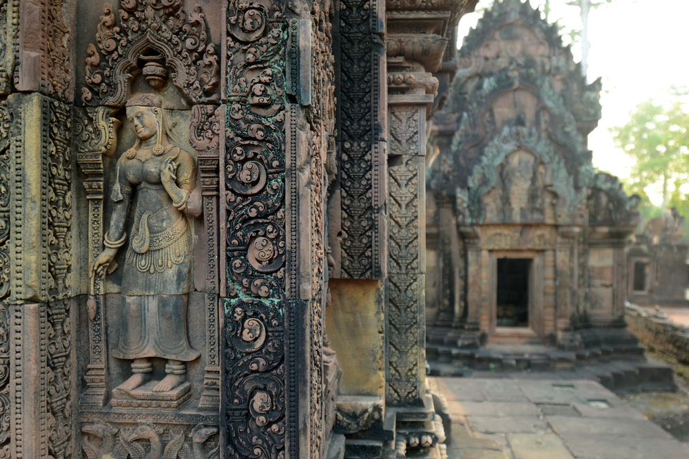 things to do in Siem reap - ancient Banteay Srei temple