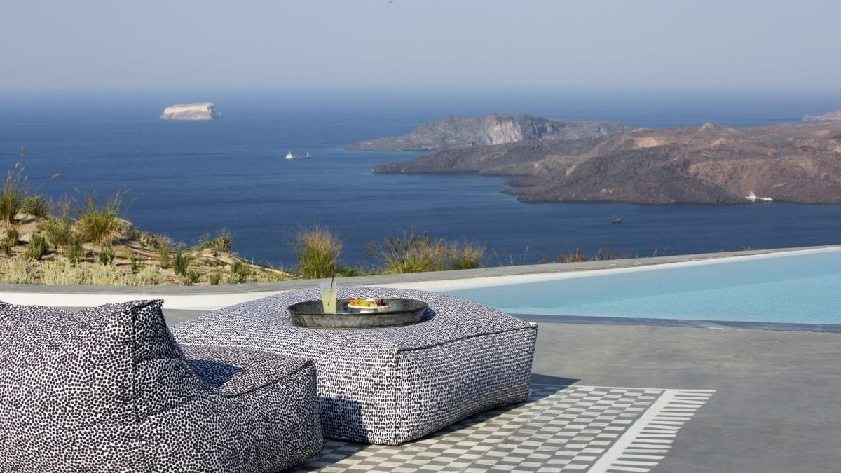 Treat Yourself to a Greek Retreat at Christmas