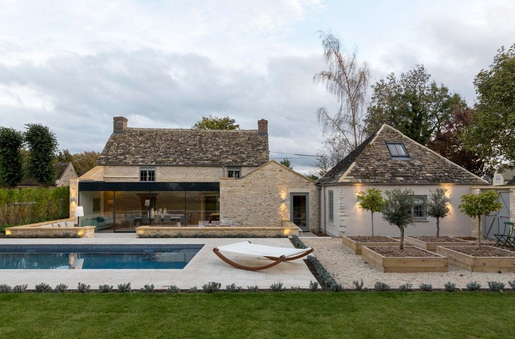 Rent a Luxury Cotswold Home This Spring