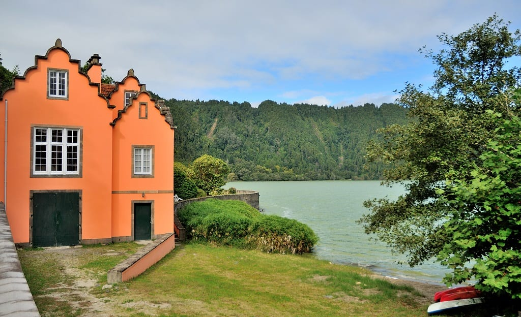 Lake Furnas on S. Miguel island - © Dnuno