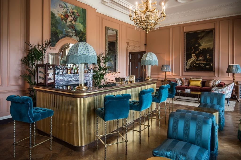 The Parrot Bar of the Beaverbrook Hotel