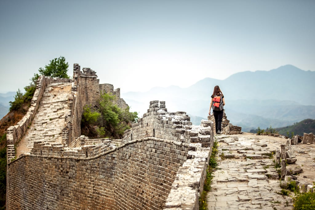 travel trends woman solo travel great wall of china