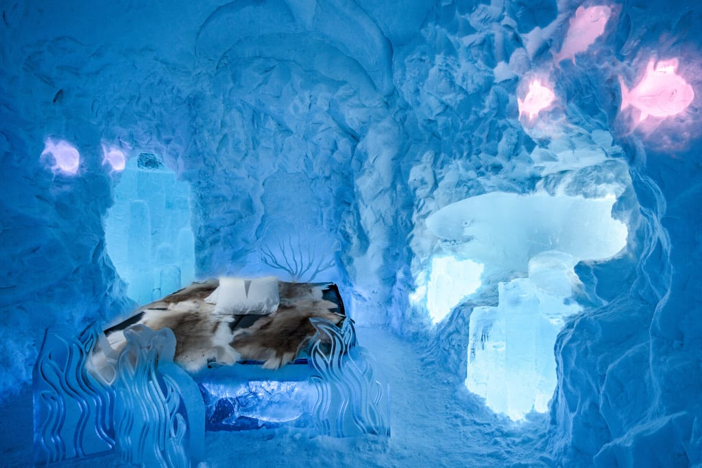 The Living Ocean Suite, IceHotel by Jonathan Paul Green Marnie Green. Image by Asaf Kliger