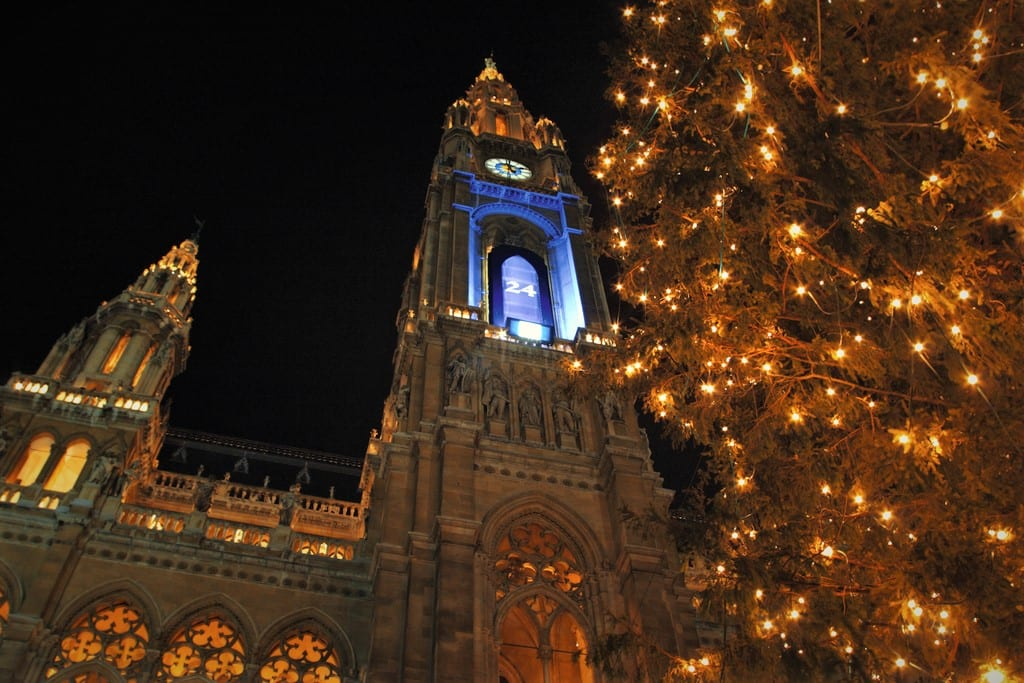 City Hall in Vienna at Christmas Time, c. Austrian National Tourist Office, Photographer: Astrid Bartl