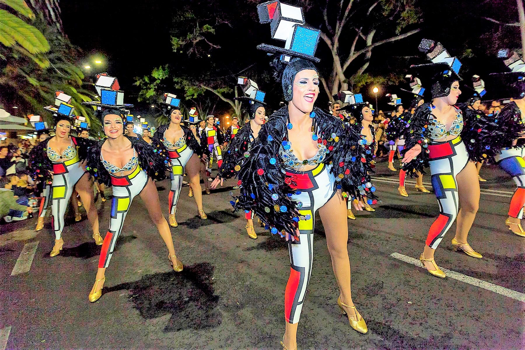 carnivals around the world santa cruz carnival 2019