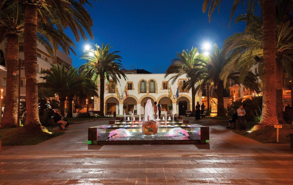 Santa Eulària des Riu : the Other Side of Ibiza