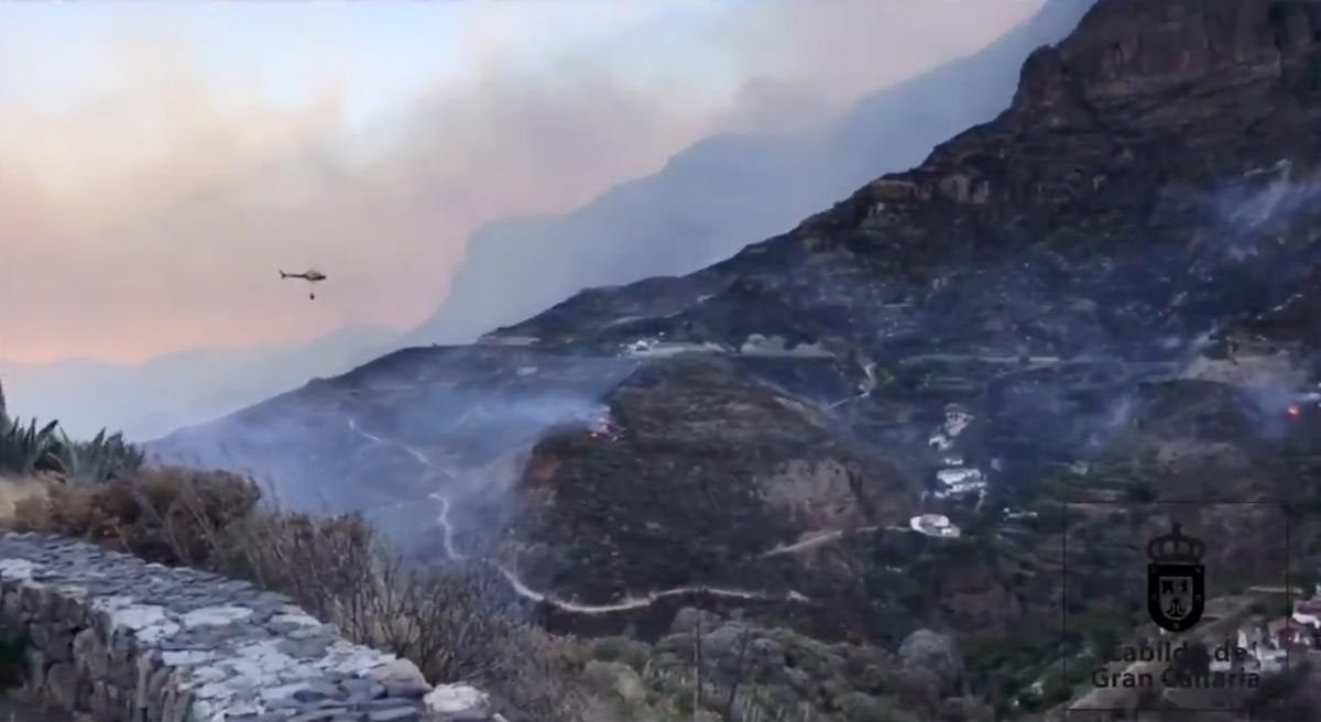 9,000 Evacuated from Fire in Gran Canaria