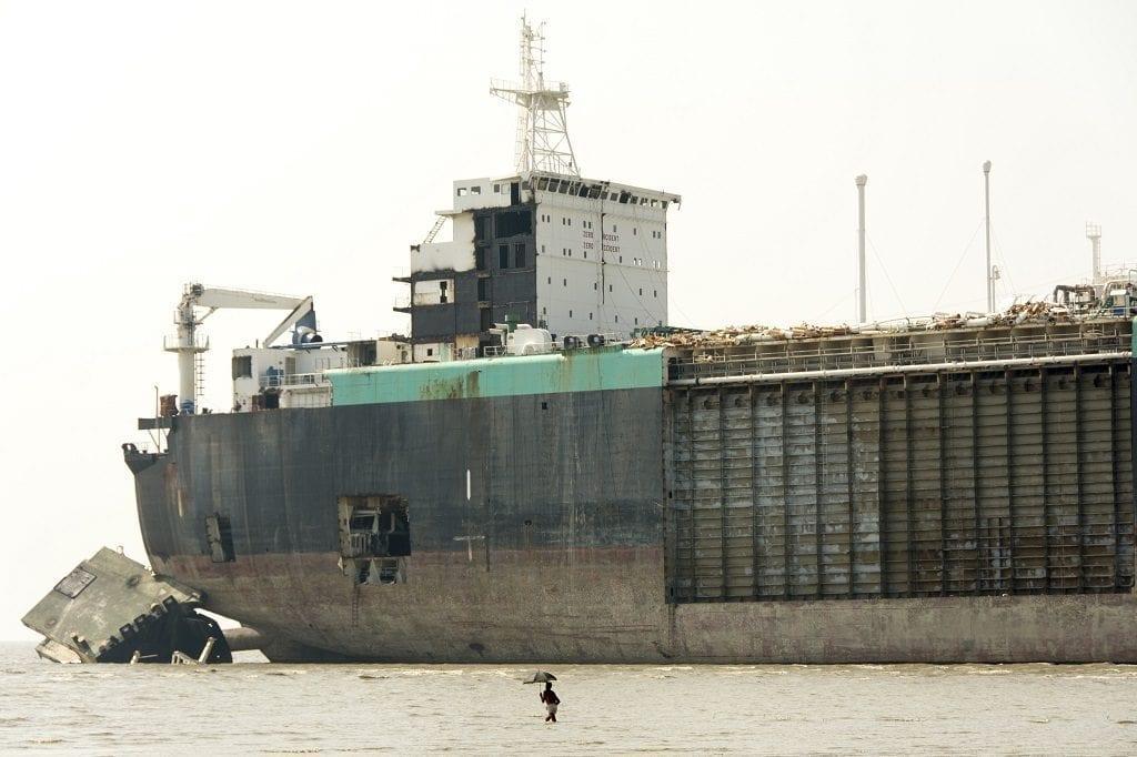Shipwrecking yards Chittagong