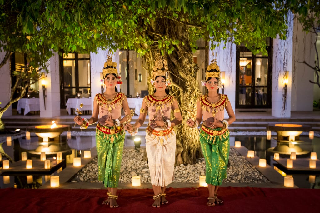 Apsara dancing in the central courtyard