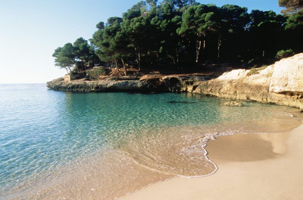 Cala Mitjaneta Menorca ©-Lluis Real Balearic Ministry for-Economic Model Tourism and Labour AETIB