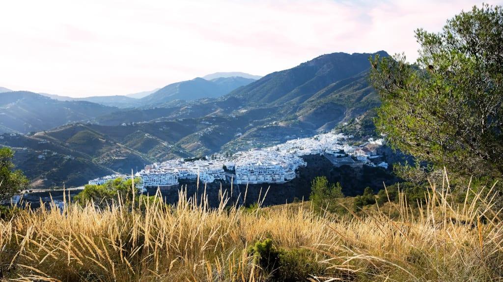 Hiking in Nerja to Cruz de Pinto