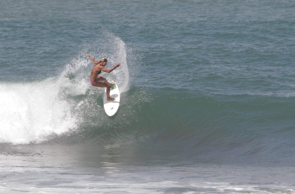 Costa Rica Playa Hermosa: World Surfing Reserve