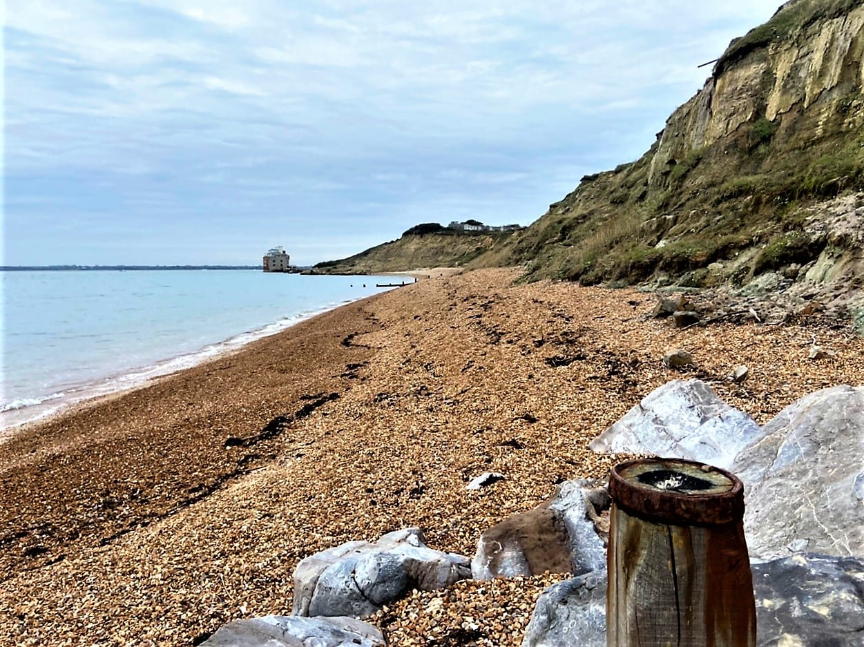 Isle of Wight walks Colwell Bay with the tide out