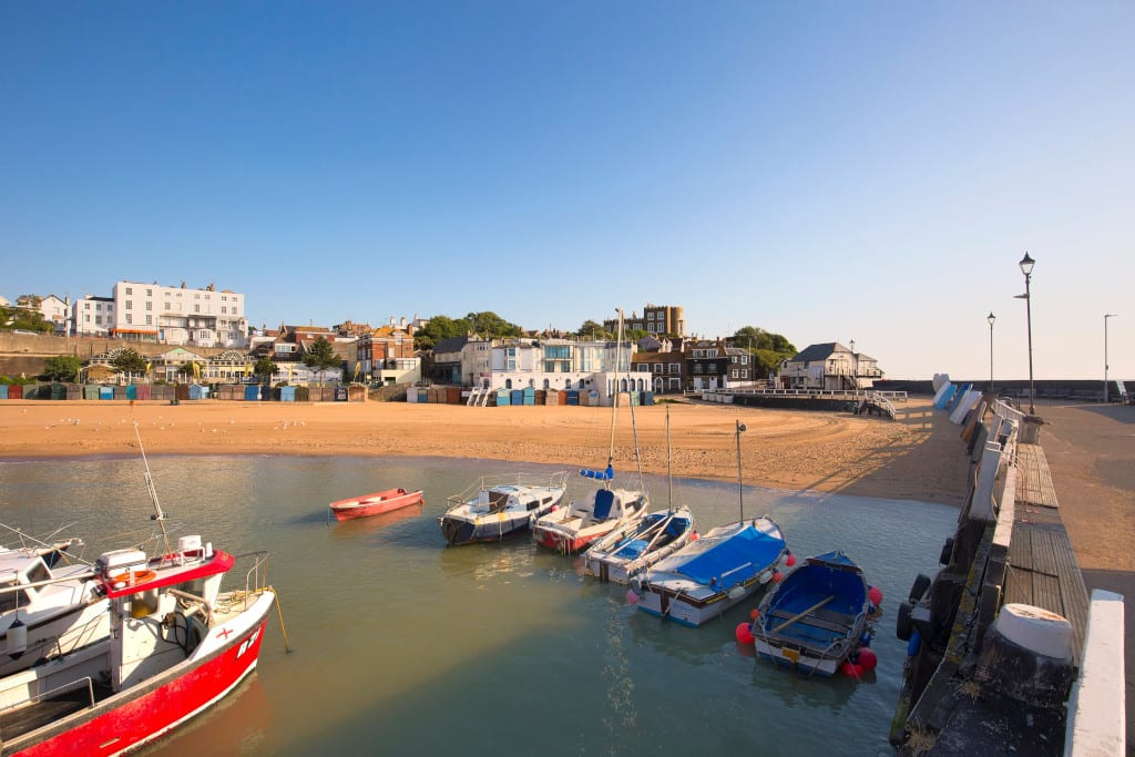 TravMedia_United_Kingdom_1466573_Viking Bay Sweep, Broadstairs. Credit Thanet District Council