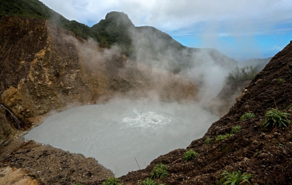 Visit the boiling lake on your Dominica holidays